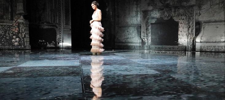 "Barrie Kosky met en scène ""Der Rosenkavalier"" à Munich, en temps de confinement"