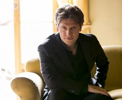 Daniele Rustioni joue henze, Mahler et Strauss à la Beethovensaal de Stuttgart