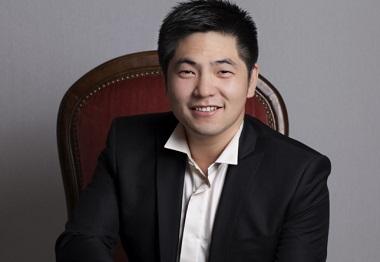 Le jeune ténor chinois Yu Shao chante aux Estivales de musique en Médoc