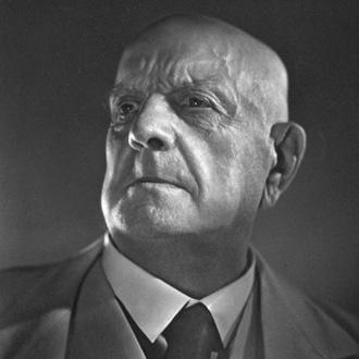 le compositeur finlandais Jean Sibelius photographié par Yousuf Karsh en 1945