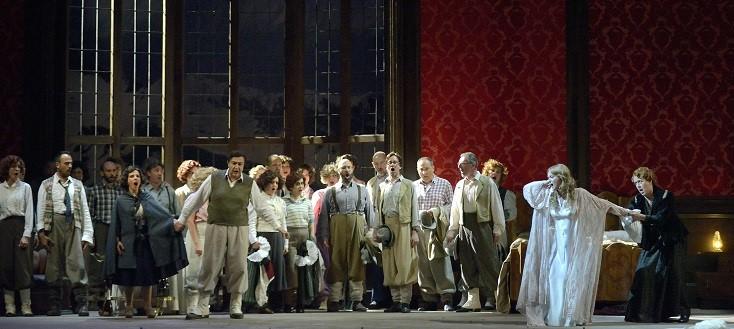 La Fenice de Venise reprend avec succès sa production de La sonnambula