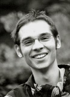le jeune compositeur tchèque Miroslav Srnka, joué par l'EIC à Paris