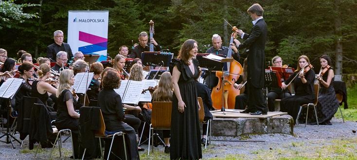 Alessandro Crudele dirige les Chœur et Orchestre Philharmonique de Cracovie