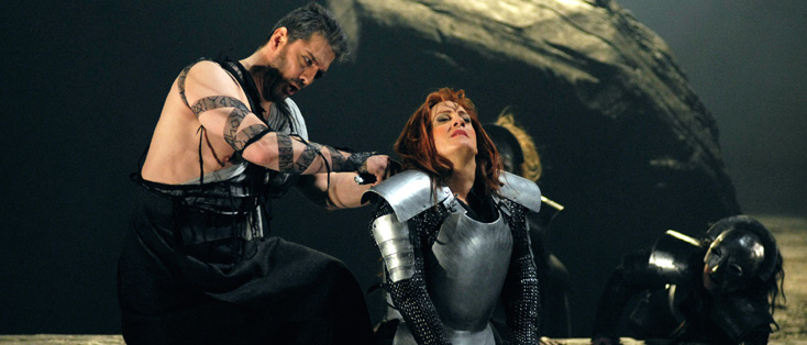 Wotan et Brünnhilde dans Die Walküre (Wagner) mis en scène par David McVicar