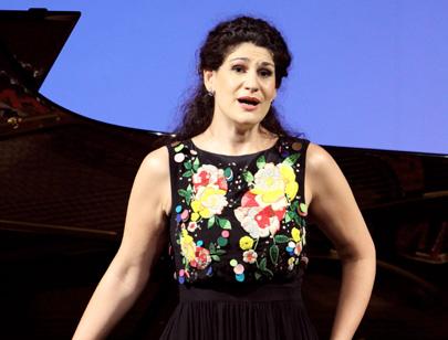 Wilfried Hösl photographie le soprano Anja Harteros à Munich