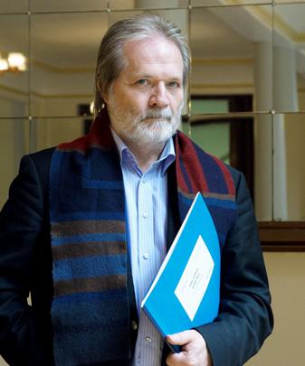 le compositeur hongrois Péter Eötvös photographié par Philippe Stirnweiss