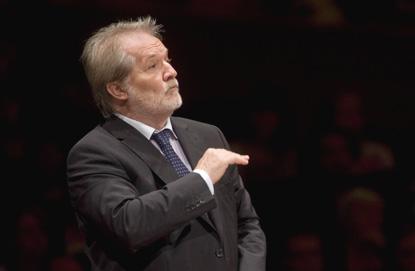 le chef et compositeur hongrois Péter Eötvös par Priska Ketterer