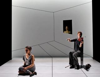 Kafka-Fragmente, spectacle d'Antoine Gindt et musique de György Kurtág