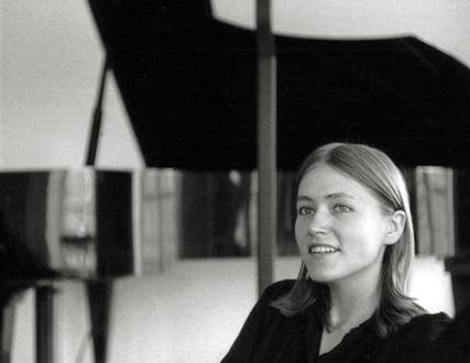 la pianiste Hortense Cartier-bresson photographiée par Henri Cartier-Bresson