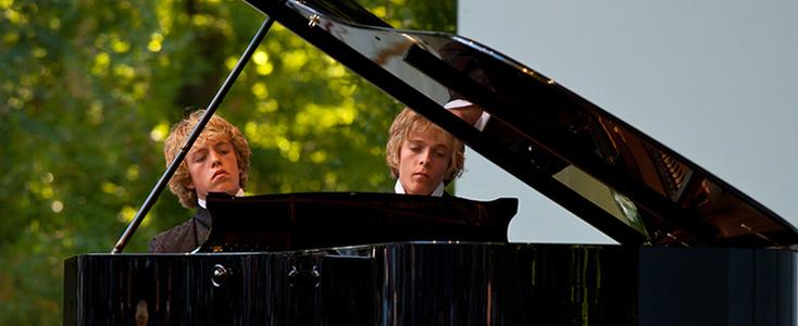 Arthur et Lucas Jussen jouent Schubert
