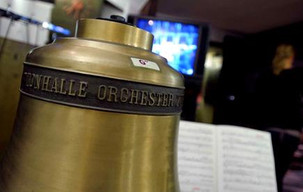 Gert Mothes photographie la cloche de l'Orchestre de la Tonhalle de Zurich