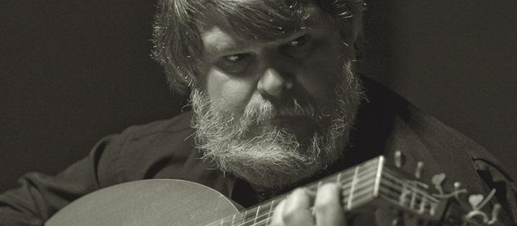 le luthiste Paul O'Dette joue Dall'Aquila, de Rippe et da Milano