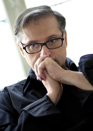le compositeur Gérard Pesson photographié par Christophe Daguet