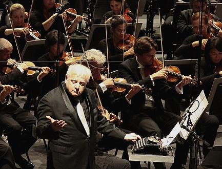 Au Festival Berlioz, les pitreries de maestro Slatkin et sa machine à écrire