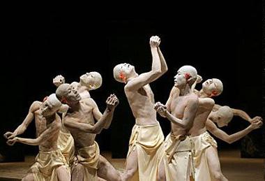 Toki, chorégraphie d'Amagatsu Ushio pour Sankai Juku