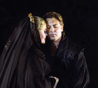 Roberto alagna chante Il trovatore aux Chorégies d'Orange 2007