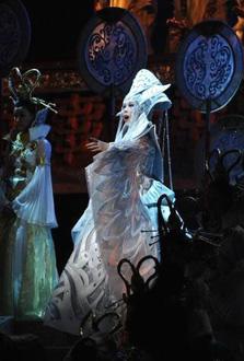 Turandot, l'opéra de Puccini, mis en scène par Zhang Yimou au Stade de France